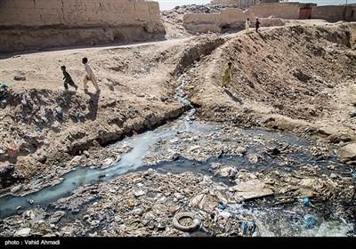 یکی شدن محل انباشت زباله با محل زندگی اهالی منطقه سیک سوزی در حاشیه زاهدان