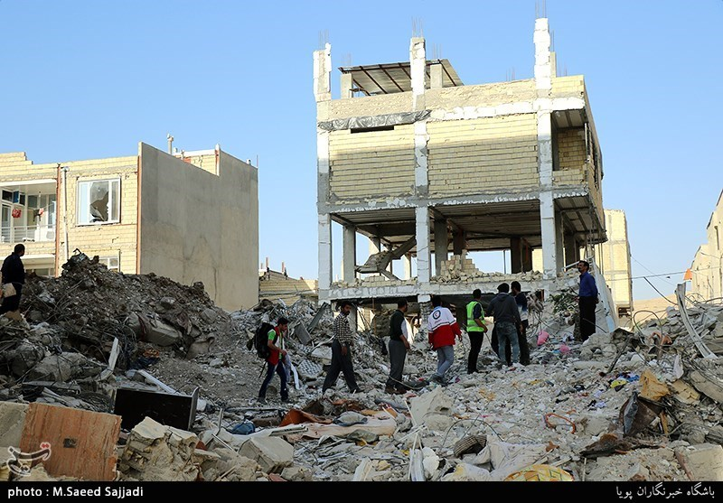 Quake Relief Aid in West Iran Underway on Day 6