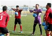 عدم تصمیمگیری برانکو در مورد هافبک عراقی تیمش