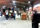 ارسال نخستین محموله کمکهای مهاجرین افغانستانی به زلزلهزدگان کرمانشاه از مشهد+تصاویر