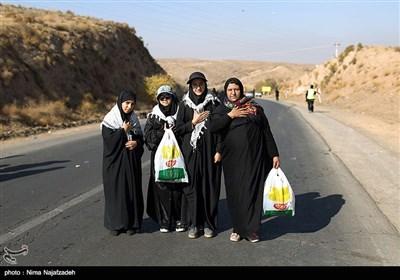 زائران حرم رضوی - مشهد