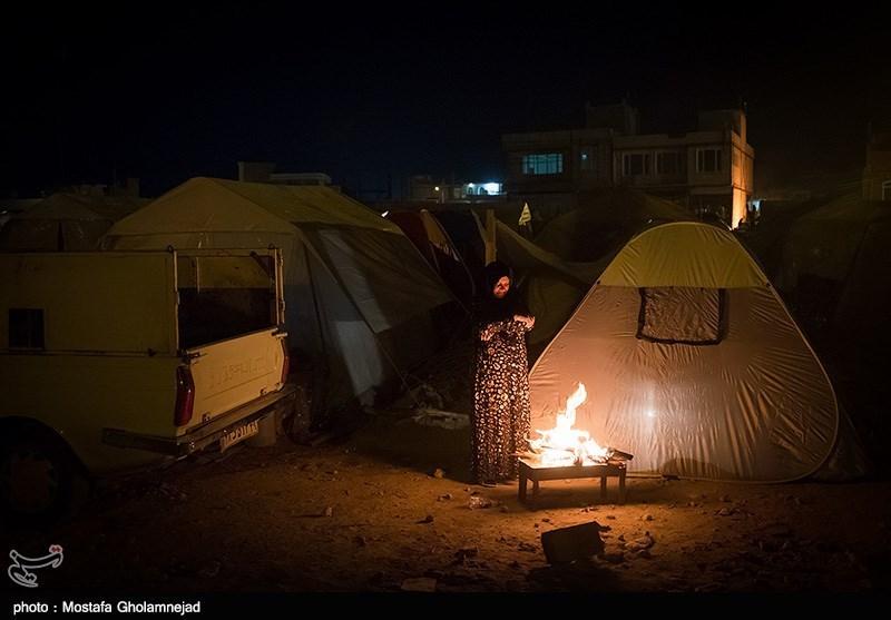 شبهای بارانی زلزلهزدگان و خوابهای آسوده مسئولان/ اختصاص ردیف بودجه برای بازسازی/ بکارگیری 100 مددکار اجتماعی در مناطق زلزلهزده+ فیلم و عکس