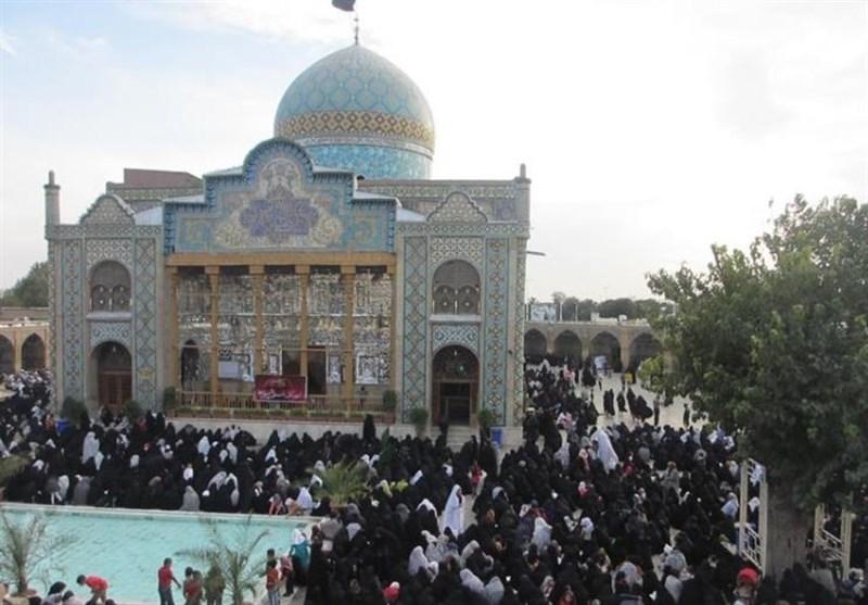 پرچم امامزاده حسین(ع) قزوین به رنگ عزا درآمد