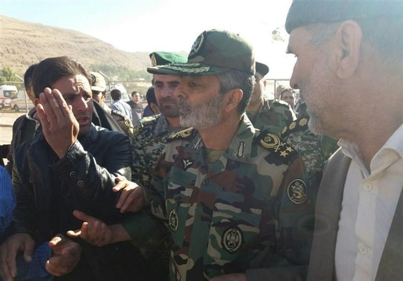 """ارتش 50 تریلی """"کانکسهای بهداشتی"""" به مناطق زلزلهزده ارسال کرد"""