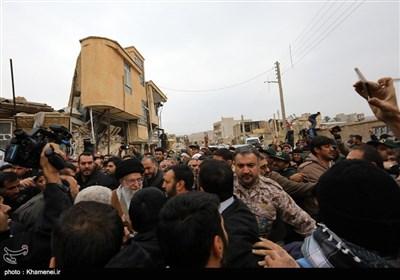 Leader Ayatollah Khamenei Visits Iran's Quake-Hit Areas