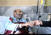 عیادت خادمان آستان قدس رضوی از بیماران یزد