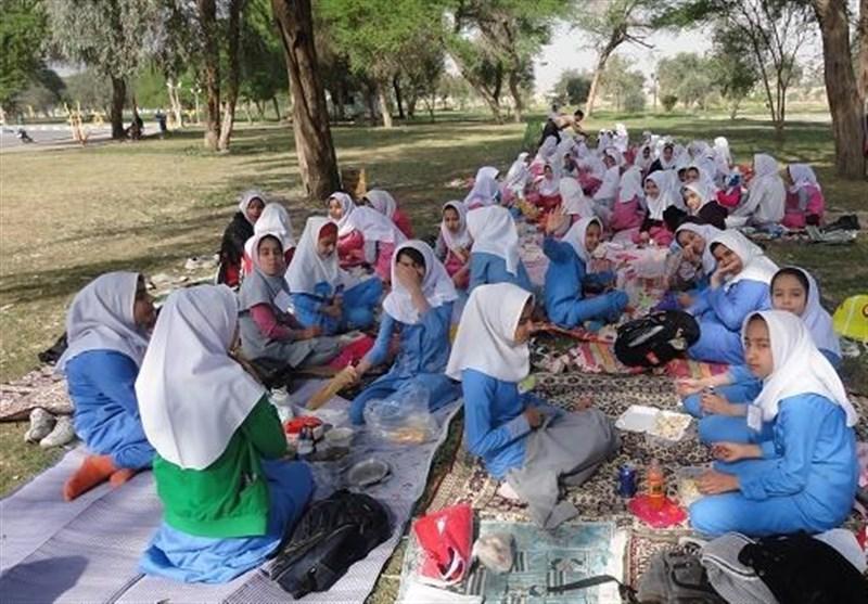 """سراشیبی""""تربیت"""" در اردوهای دانشآموزان"""
