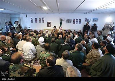 امام خامنہ ای کا زلزلہ سے متاثرہ علاقوں کا دورہ