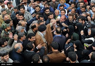 تقریر مصور// الامام الخامنئی یتفقد المناطق التی ضربها الزلزال