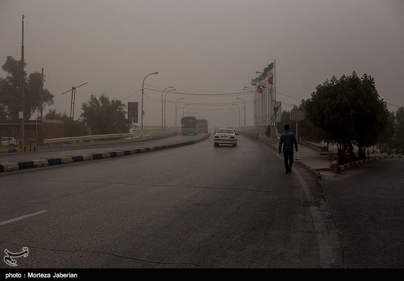گرد و خاک در جادههای ایلام و کردستان/ بارش باران در محورهای 2 استان گیلان و گلستان