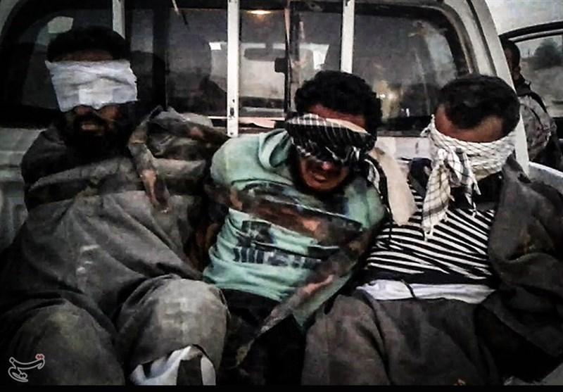 قوات لواء فاطمیون یأسرون عدداً من إرهابیی داعش فی البوکمال + صور خاصة