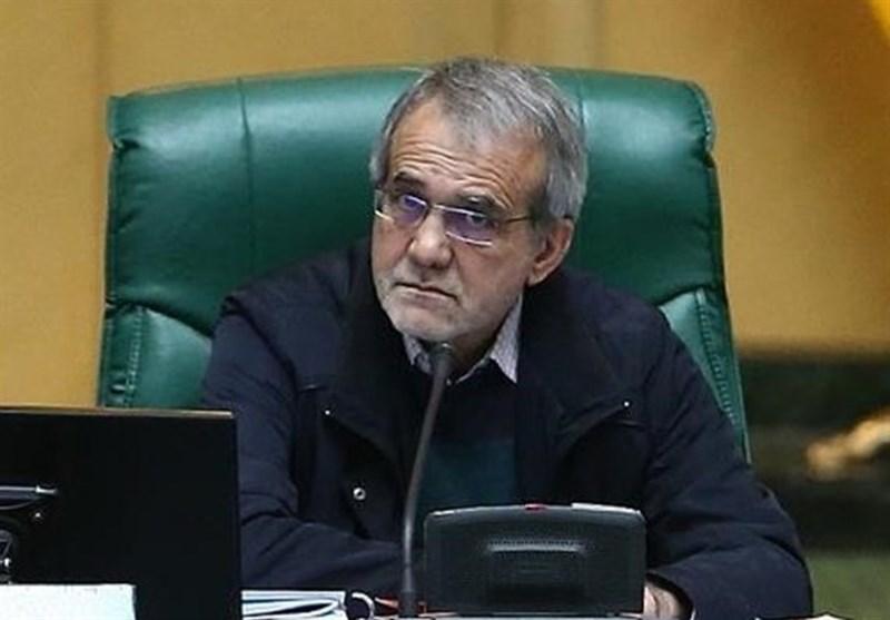 پزشکیان: دولت باید مصوبه مجلس درباره افزایش حقوقها را اجرا کند
