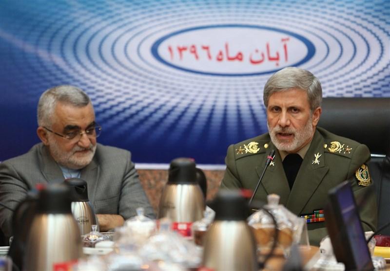 جزئیات دیدار نمایندگان مجلس با وزیر دفاع + عکس
