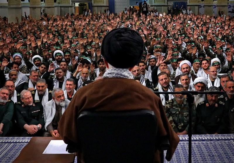 الامام الخامنئی : هزیمة أمریکا فی المنطقة من معجزات الثورة الإسلامیة