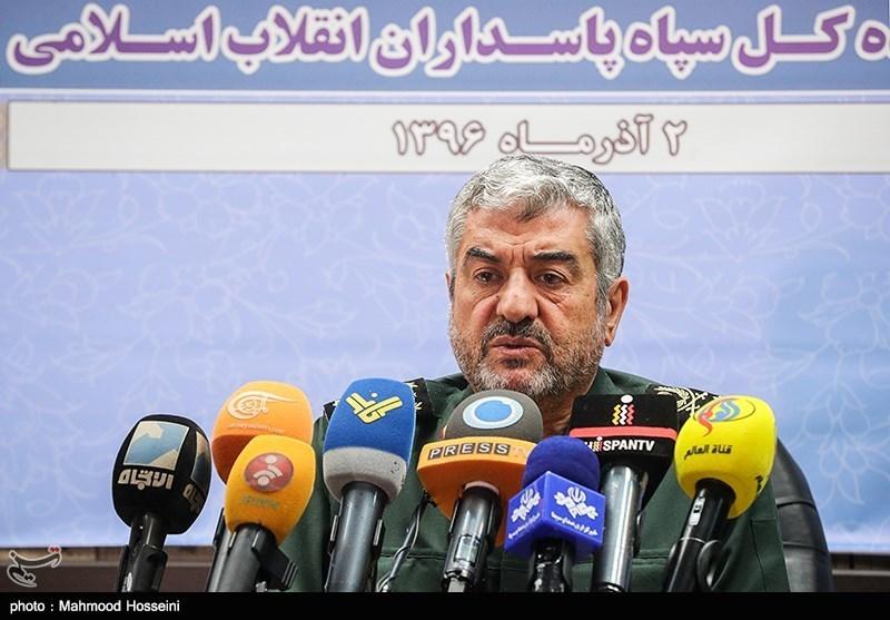"""فرمانده سپاه: ایران به یمن """"کمک مستشاری"""" میکند"""