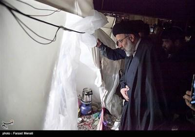 بازدید تولیت آستان قدس رضوی از مناطق زلزله زده