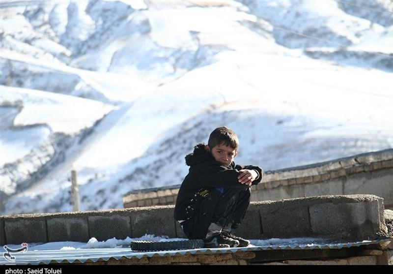 """روایت یک روز سرد در """"قصرقجر""""؛ چادرهایی که گرم نیستند + فیلم"""