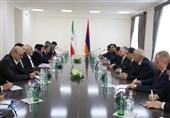 ظریف با همتای ارمنستانی خود در ایروان دیدار کرد