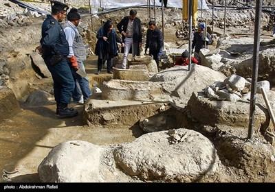 کشف آثار باستانی دوره مادها در میدان امام همدان