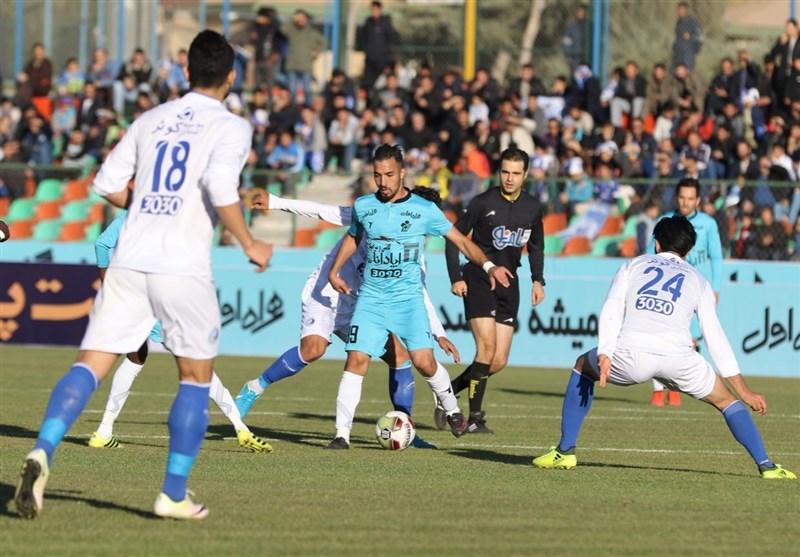 لیگ برتر فوتبال  رونمایی از استقلال و پیکانِ جدید
