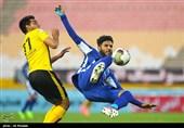اهواز| بیاحترامی دو عضو استقلال خوزستان به داور در پایان بازی با خونهبهخونه