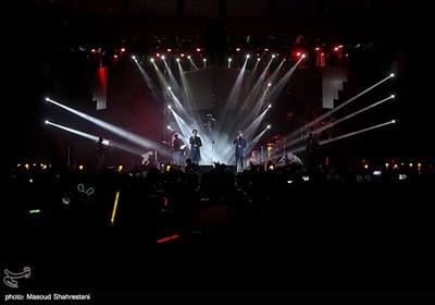 کنسرت گروه ماکان بند