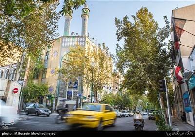 مسجد سادات اخوی یکی از مساجد خیابان ایران نبش خیابان قادری