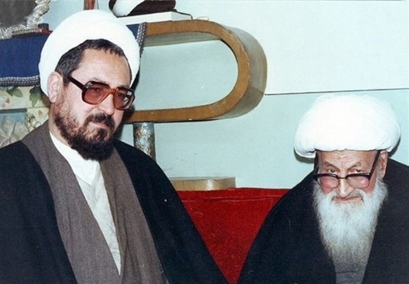 پدرم میفرمودند من کار آقای خمینی را تأیید میکنم
