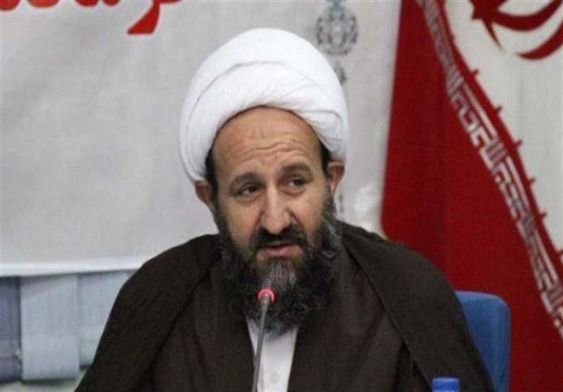 دعوت امام جمعه قرچک از یک نماینده برای بازدید از زندان؛ به جای تکرار حرف دشمن از زندان بازدید کنید