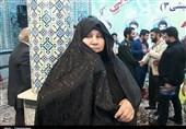 مادر شهید محمد اصلانی در یادواره ستارههای آسمانی در هفتگل