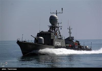 تحویل ناو موشک انداز سپر به نیروی دریای ارتش توسط وزارت دفاع