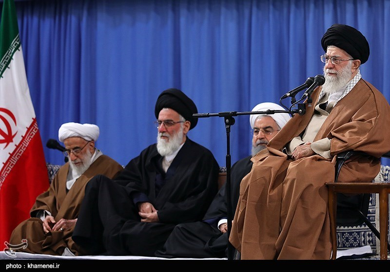 دیدار مسئولان نظام و مهمانان کنفرانس وحدت اسلامی با رهبر معظم انقلاب
