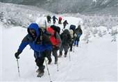 خوردن برف موجب رفع تشنگی کوهنوردان میشود؟/ شوک دمایی به دندان و معده را بشناسید