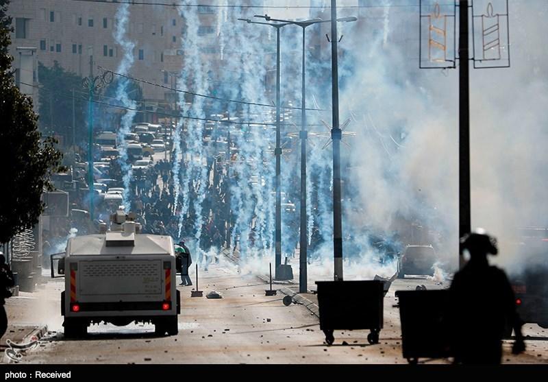 اشتباکات بین الفلسطینیین وجنود الاحتلال الصهیونی