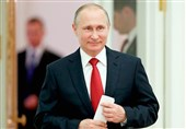 Putin Says US Gripped by Fabricated Spymania, Praises Trump