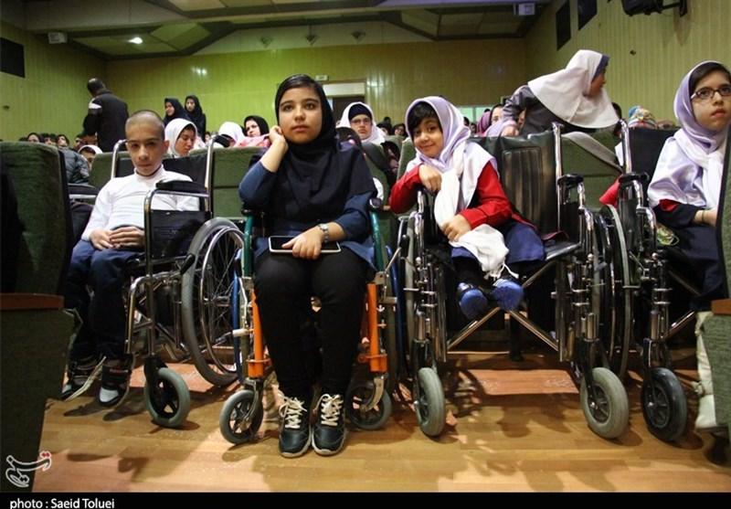 طرح ارائه خدمات مراقبتی و توانبخشی توسط اعضای خانواده معلولان در اسدآباد اجرا میشود