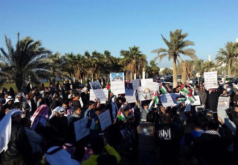 کویتیون یتظاهرون رفضاً لقرار ترامب حول القدس+فیدیو