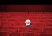 تماشاچی در وهله اول به تئاتر میآید که لذت ببرد و تفریح کند
