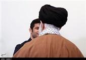 دیدار علیرضا کریمی کشتیگیر سرافراز با مقام معظم رهبری