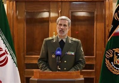 امیرحاتمی: نیاز نیروهای مسلح در حوزه  پهپاد و جنگ الکترونیک را مرتفع می کنیم