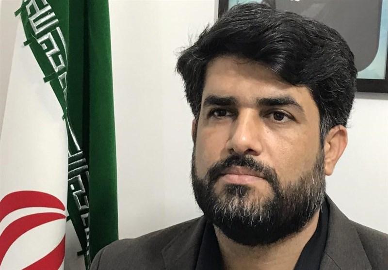 دفتر آستان قدس رضوی اقلام مورد نیاز را بین دانشآموزان نیازمند بوشهر توزیع کرد