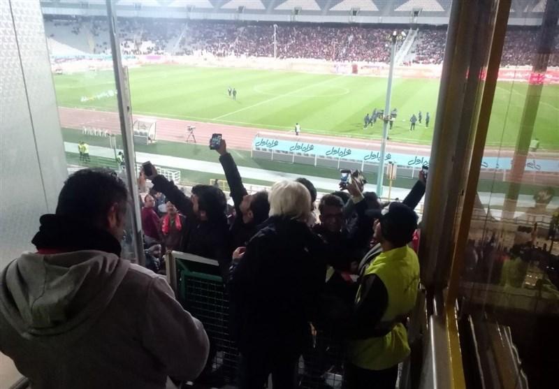 شفر قبل از پایان بازی رفت، تماشاگر خارجی از لیگ ایران تعریف کرد