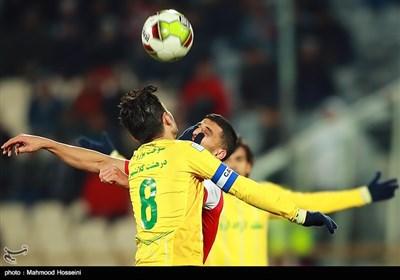 دیدار تیم های فوتبال پرسپولیس و نفت آبادان