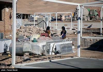 ساخت کانکس توسط قرارگاه سازندگی خاتم الانبیاء (ص) در مناطق زلزله زده کرمانشاه