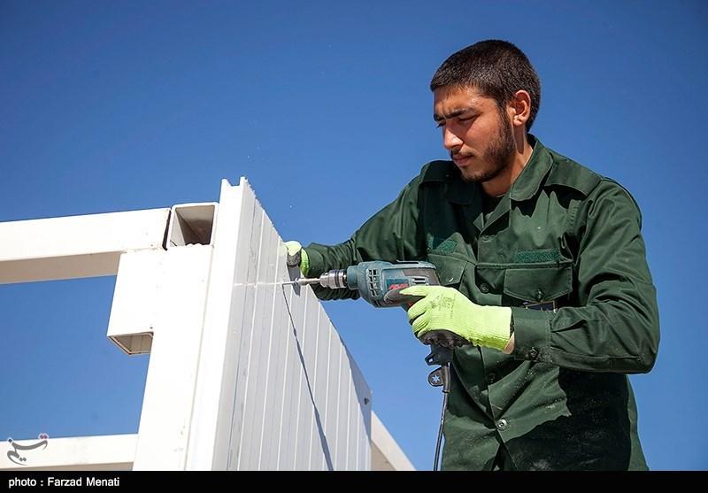 گروه جهادی عمار پیشتاز نصب کانکس برای زلزلهزدگان کرمانشاه
