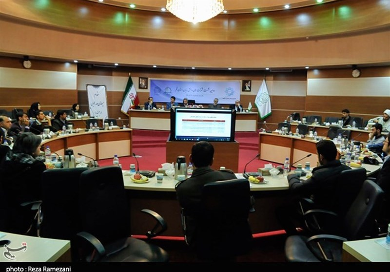 دومین نشست شرکتهای دانش بنیان استان قم