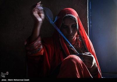 سوزن دوزی یکی از هنر های فاخر زنان بلوچستان است و تنها درآمد این زنان سوزن دوزی است