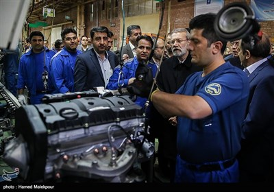 بازدید علی لاریجانی رئیس مجلس شورای اسلامی از خط تولید محصولات شرکت ایران خودرو