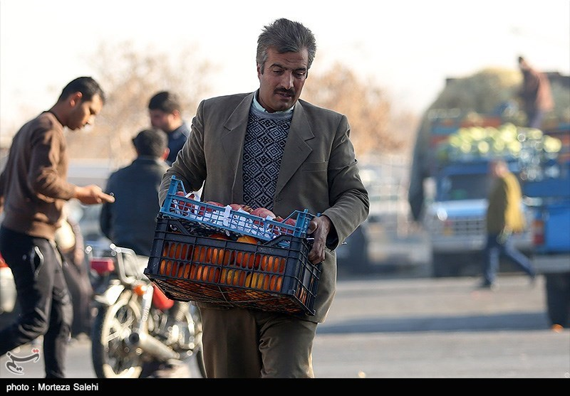 بازار میوه و تره بار در آستانه شب یلدا - اصفهان