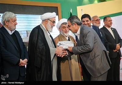 تقدیر از خیرین بنیاد برکت توسط حجتالاسلام محمدی گلپایگانی رئیس دفتر مقام معظم رهبری